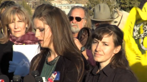 Thara Tenney and Belle Collier, daughters of slain Arizona rancher, Robert LaVoy Finicum, call for an independent investigation into their father's death. Photo: Gephardt Daily