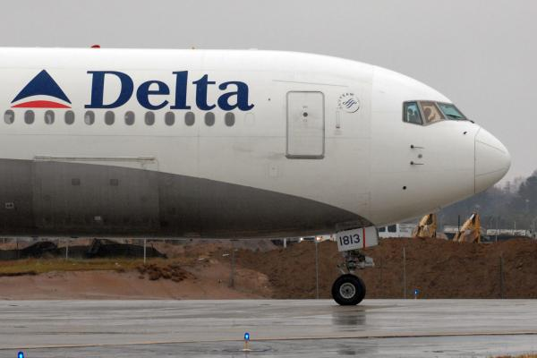 Delta Airlines flight lands at Air Force base by mistake