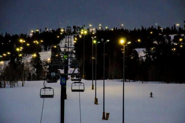 Woman dies, 2 children injured in Colo. chairlift fall