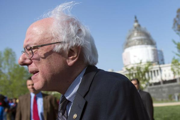 Sen. Sanders Proposes Dem Bill Hiking Min. Wage to $15/Hour