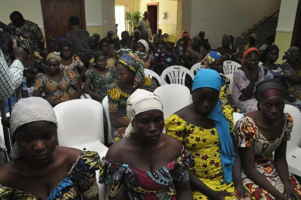 Freed Chibok girls meet Nigerian leader