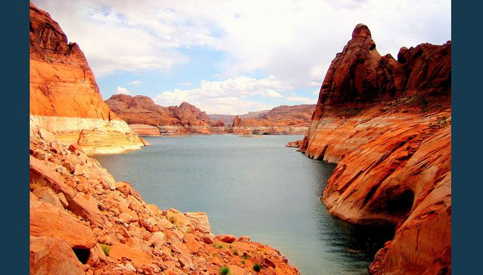 Castle Rock woman killed in houseboat explosion on Lake Powell