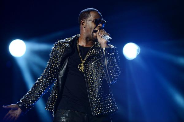 Singer R. Kelly accused of holding women in 'cult'