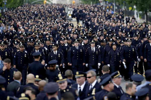 Hundreds gather at memorial for New York City police officer
