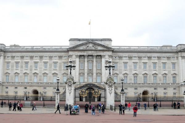 Woman Arrested Scaling Fence at Buckingham Palace