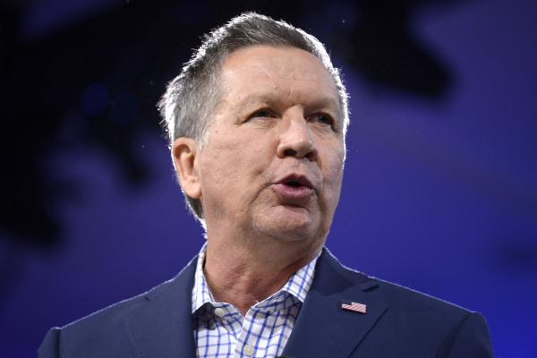 Gov. Kasich Signs 15 Bills Before Leaving For Holiday Break