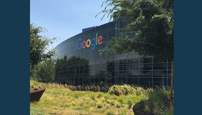 Ex-engineer sues Google for discriminating against conservative white males