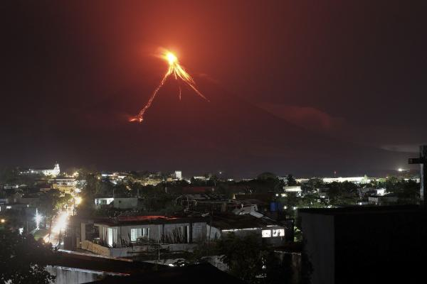 Philippine volcano rumbles back to life, thousands evacuated