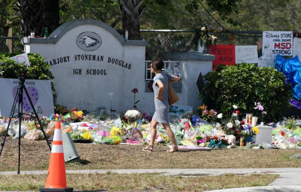 Florida Lawmakers Pass Gun-School Safety Bill 3 Weeks After Massacre