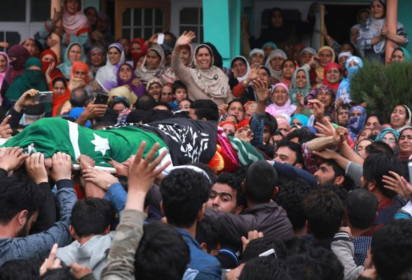 Kashmir: Teen injured in Shopian violence dies, civilian toll rises to six