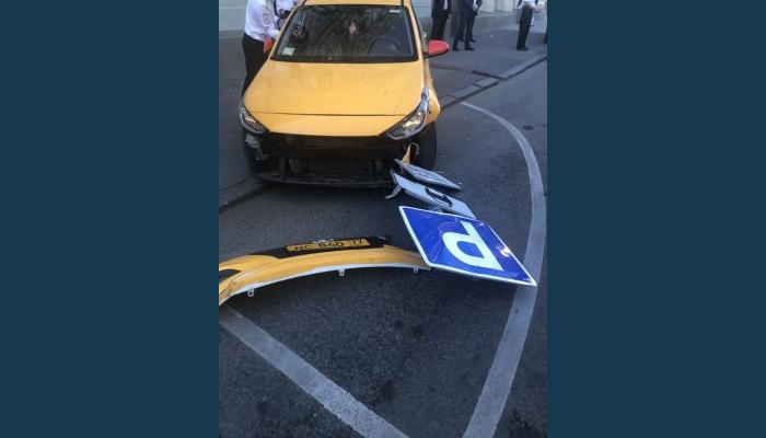 Seven injured in Moscow after taxi crashes into pedestrians