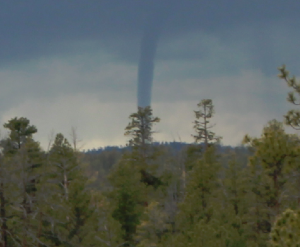 Funnel cloud photographed in Bryce Canyon area - Photo: National Weather Service