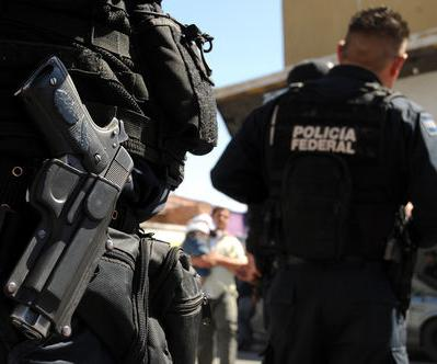 Group of Vigilantes Seize, Disarm Local Police in Mexican Town