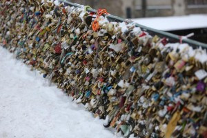 Paris-says-love-locks-cause-safety-risks-to-visitors