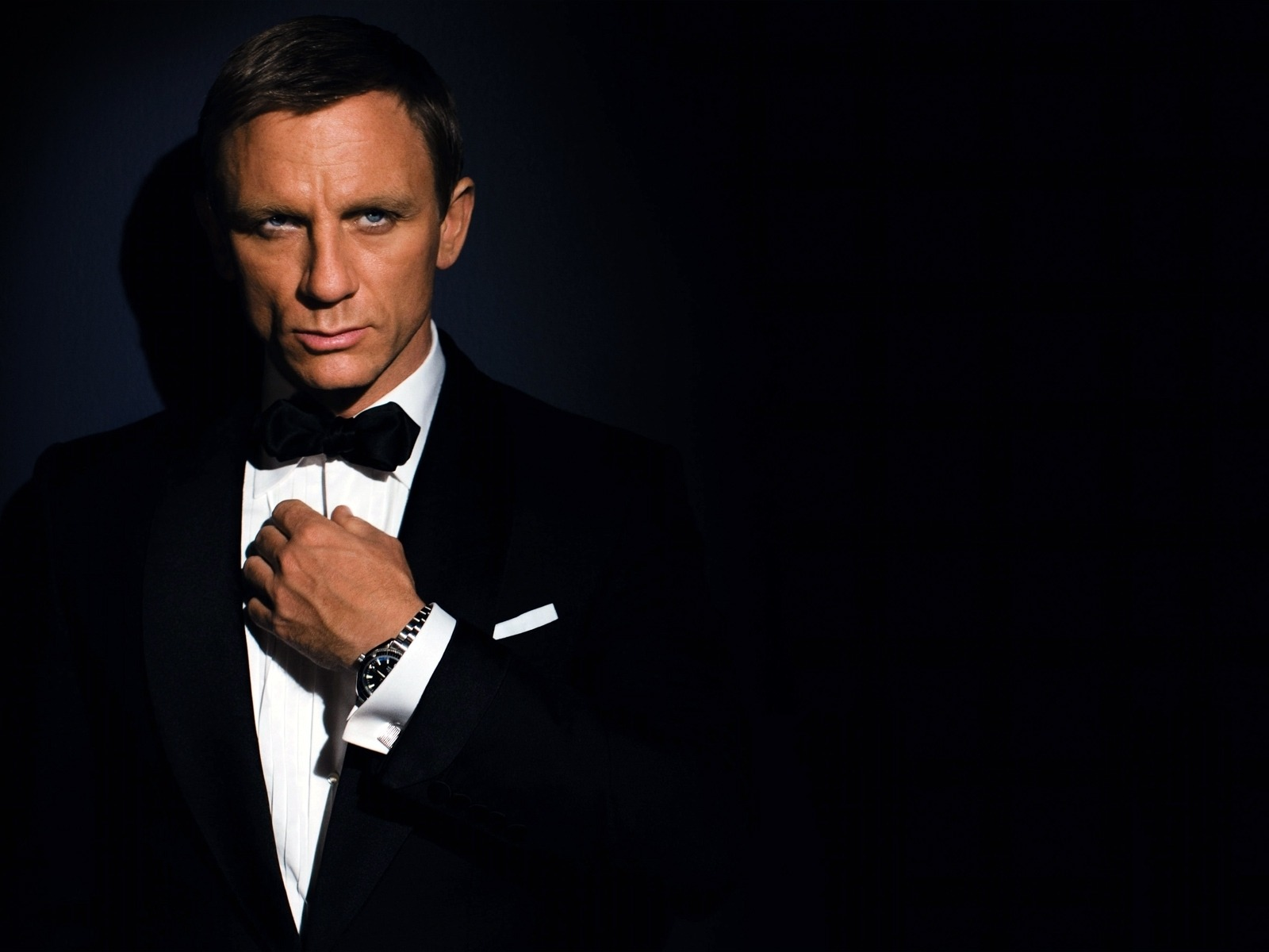 Bond Is Back A Look Behind The Scenes Of Spectre