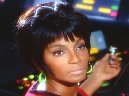"Star Trek's ""Uhura"" Nichelle Nichols Has a Stroke"