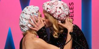 Nicole Kidman Kisses Naomi Watts