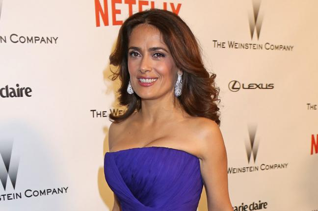 Salma Hayek Goes TOPLESS At 50 | UNSEEN PICTURES - YouTube
