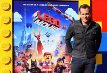 Watch-Will-Arnett-perform-Everything-is-Awesome-from-The-LEGO-Movie-on-Lip-Sync-Battle