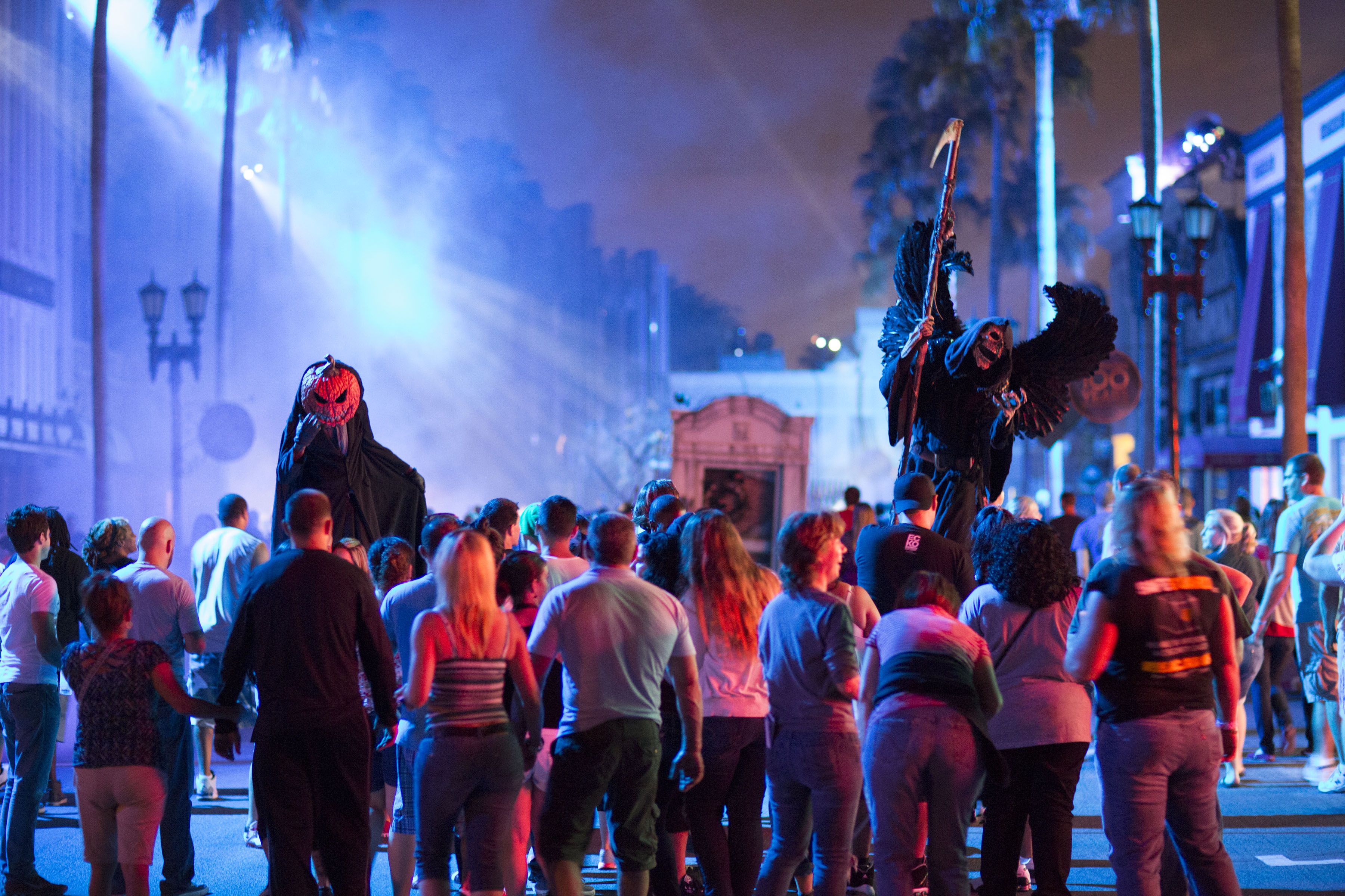 "Universal Studios Hollywood Extends ""Halloween Horror Nights"" into ..."