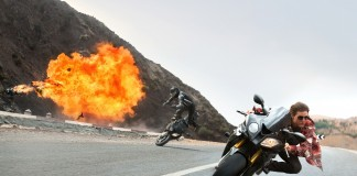 """Actor Tom Cruise in One Scene of """"Mission Impossible: Rogue Nation"""""""