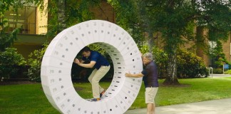 """Video Shows """"iWheel"""" Made From iMac Boxes In Action"""