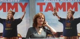 Susan-Sarandon-brings-Timothy-Learys-ashes-to-Burning-Man-festival