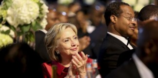 Hillary Clinton comes out against Trans-Pacific trade deal