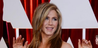 Jennifer Aniston Stars in New Emirates A380 Commercial