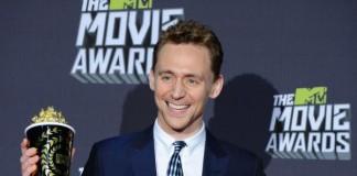 Tom Hiddleston Perform as Hank Williams