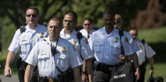 Two-Secret-Service-officers-caught-snoozing-on-job