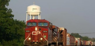 Crude-oil-leaks-from-derailed-train-cars-in-southern-Wisconsin