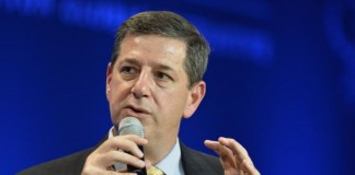 Former-Walmart-CEO-Simon-3-others-hospitalized-after-plane-suffers-oil-problem-in-flight