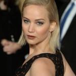 Jennifer Lawrence Tumbles at 'Mockingjay: Part 2' Premiere