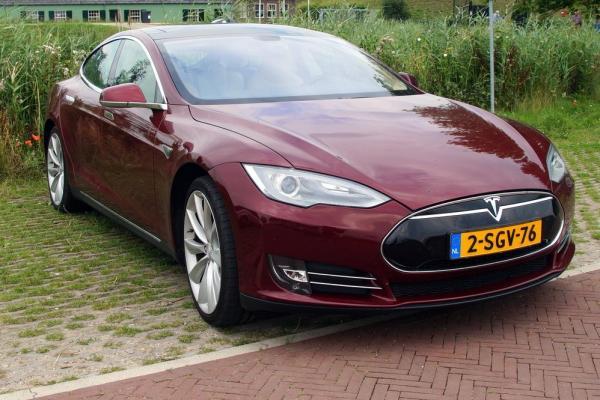 Tesla Motors Recalls 90K Model S Vehicles