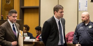 Chicago Police Officer Pleads 'Not Guilty'
