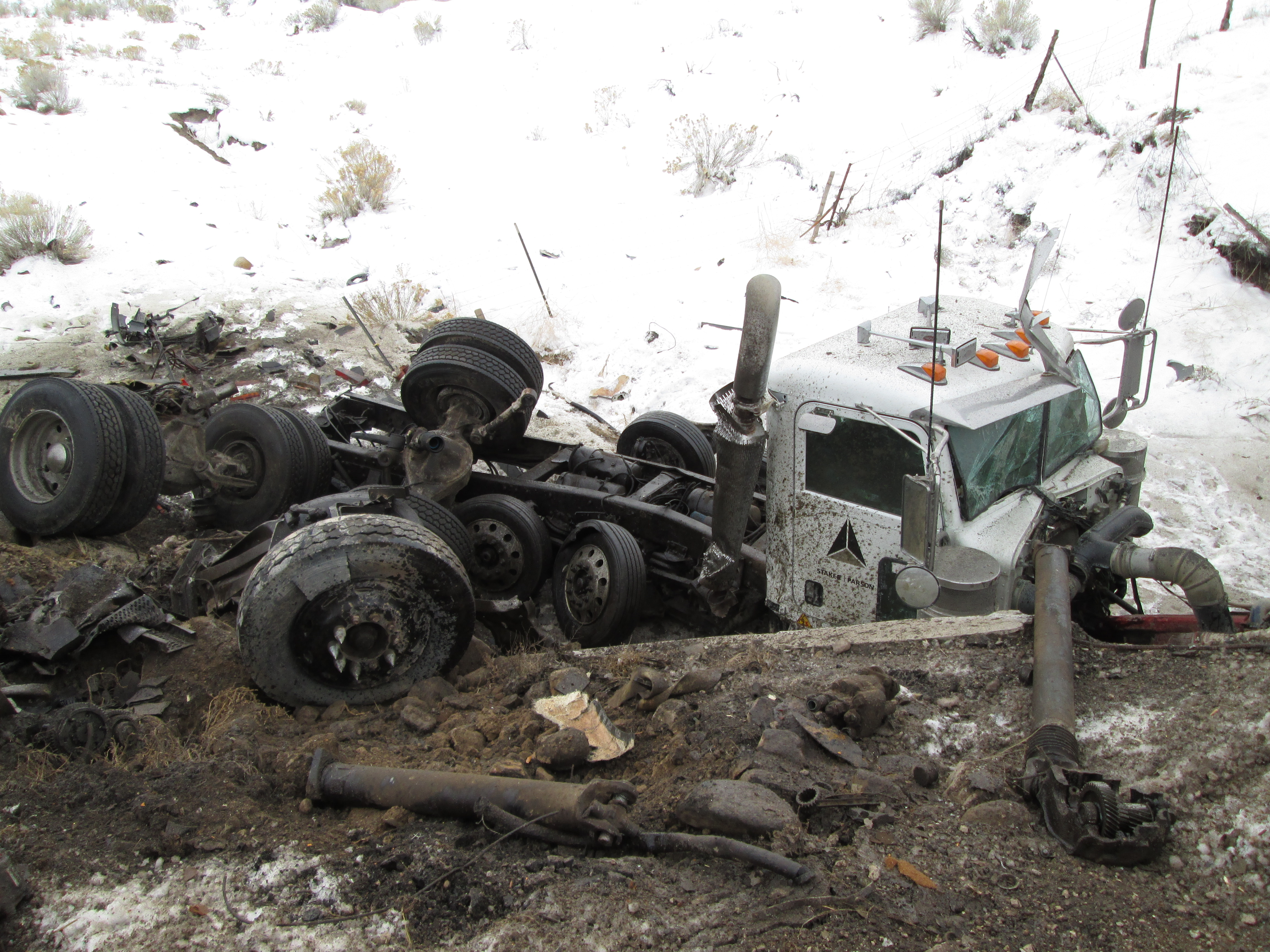 Tractor Trailer Head On : Fatal collision between two tractor trailers closes sr