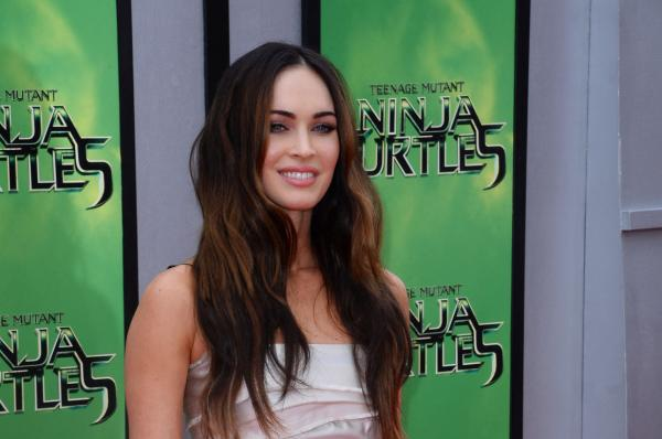 Megan-Fox-appears-in-New-Girl-preview