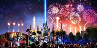 'Star Wars'-Themed Fireworks and Projection Show