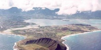 Boat Capsizes In Hawaii
