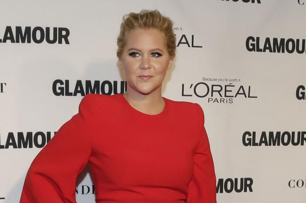 Amy-Schumer-slams-Glamour-for-featuring-her-in-their-plus-size-issue