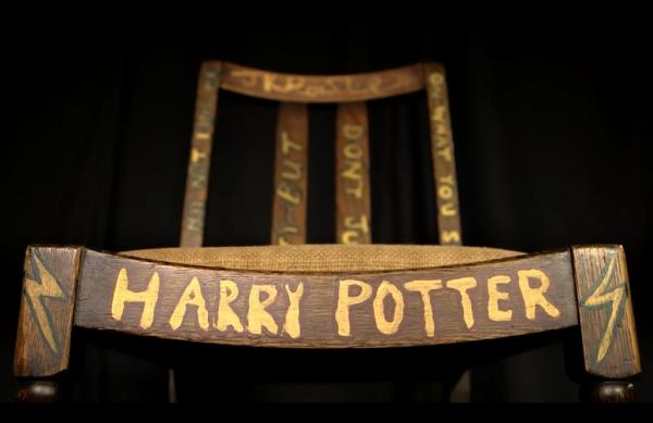 Chair-JK-Rowling-wrote-Harry-Potter-in-sold-for-394000-at-auction