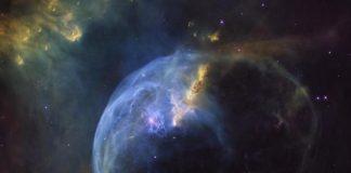 Hubble-celebrates-birthday-with-photo-of-Bubble-Nebula