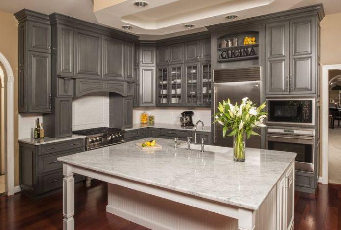 Kitchen in Gray