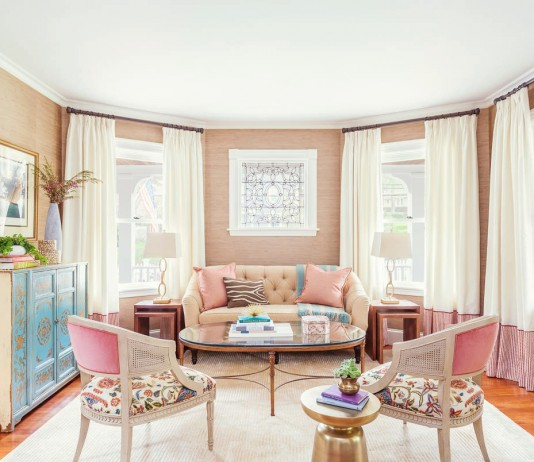 how-to-decorate-feminine-rose-quartz-peach-nude-pink-pastel-living-room-dining-room-grasscloth-stripe-pantone-2016-colour-trends-wallpaper-shop-room-ideas-blue-turquoise-dresser-tufted-sofa