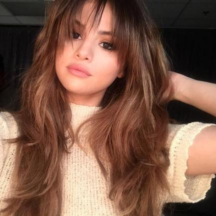 Selena Gomez Changes Up Hairstyle With Bangs | Gephardt Daily