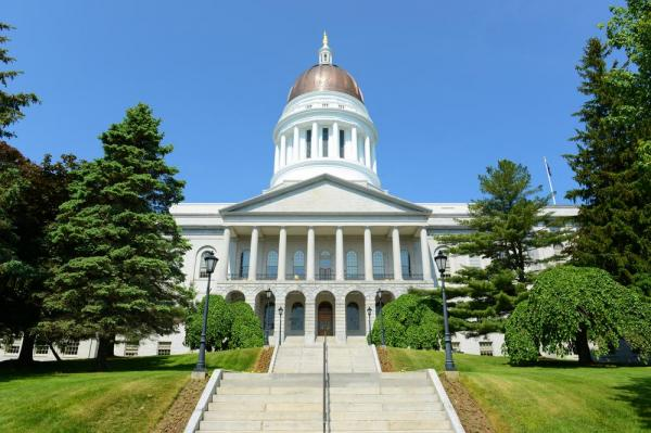 Gov. LePage wants to make amends, doesn't rule out resigning