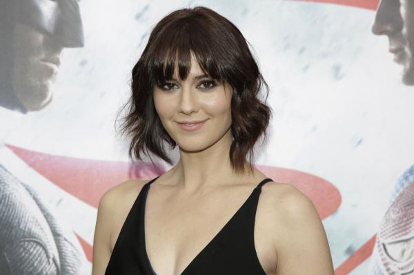 Mary Elizabeth Winstead Joins Ewan McGregor in 'Fargo' Season 3