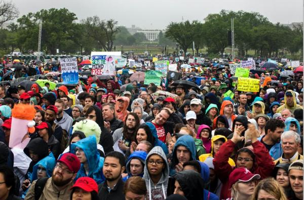 Science rallies around the world draw thousands