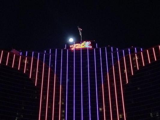 Two hotel guests at Las Vegas' Rio contract Legionnaires' disease